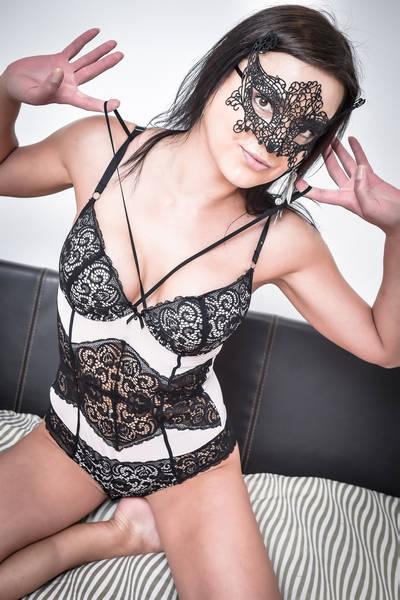 Sexy Naked Female Cleaner London Rasa